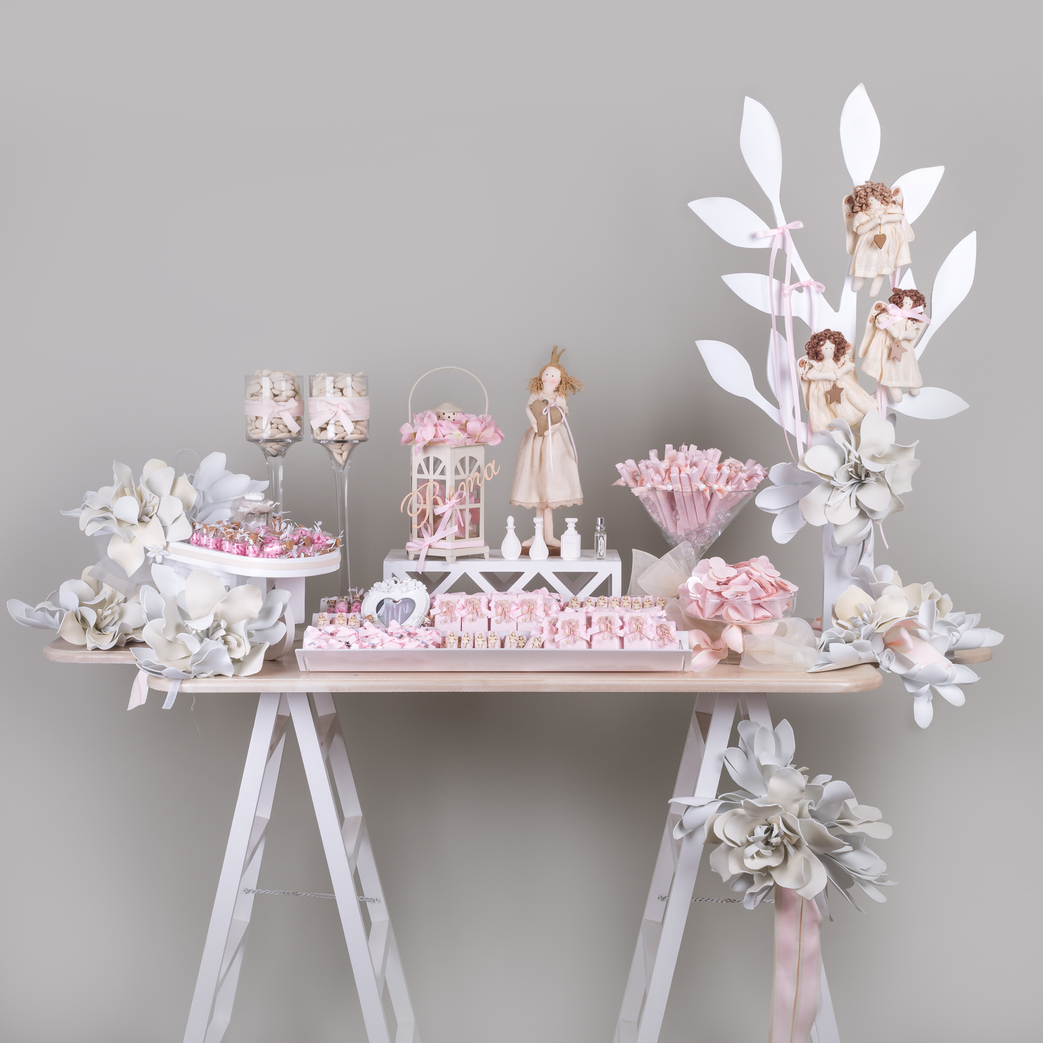 Inspired by an enchanted garden, this newborn baby girl display is the perfect way to celebrate the ...