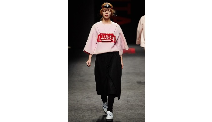 3D PATTERN NOISE BOXY TOP_PINK | K-Fashion