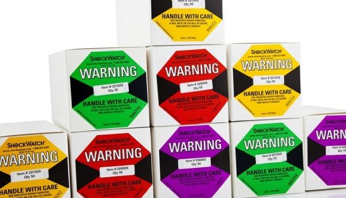 ShockWatch-Aufpralletiketten können bequem an Ihrer Sendung angebracht werden, um eine fehlerhafte H...