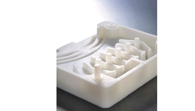 Procédé de fabrication : extrusion et dépôt d'un fil de polymère thermo fusible PC-ABS ; ASA ; NYLON...