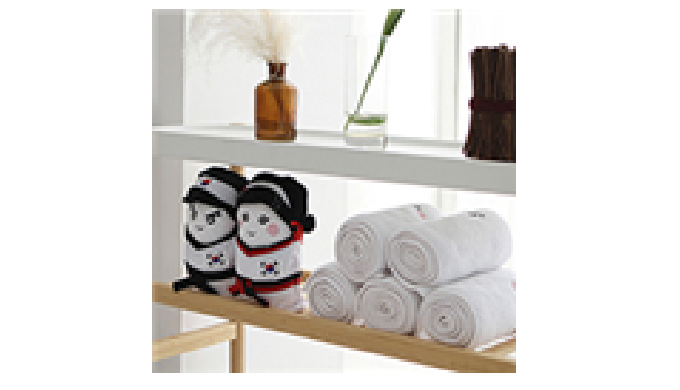 Anyone can quickly transform the sweat towels into cute toys wearing Taekwondo uniform. If you roll ...