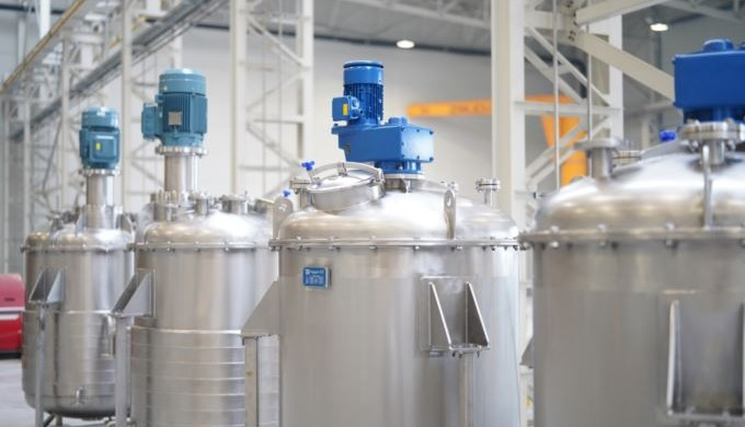 Process tanks made of stainless steel for the food and chemical industrie