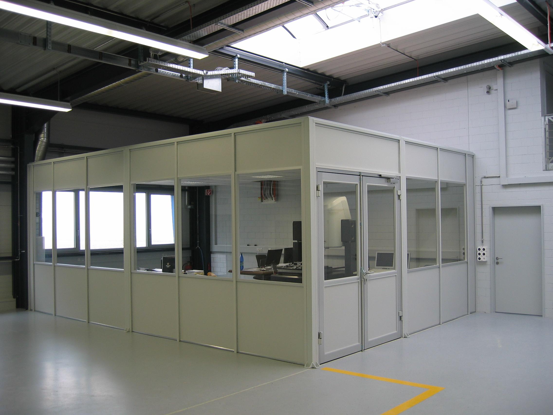 Bedarfsgerechte Raum-in-Raum-Lösungen Flexible, bedarfsgerechte Räume Raumnutzung auf mehreren Ebene...