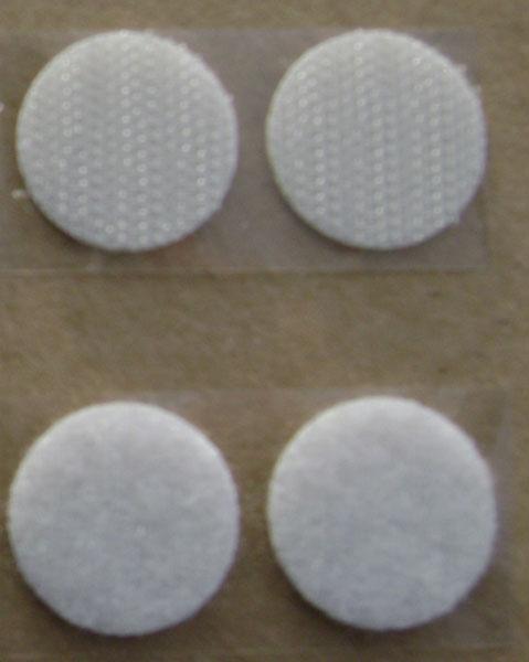 Crochet (mâles) + Velours (femelles)Utilisation pour la fixation de documents, photos, posters, port...