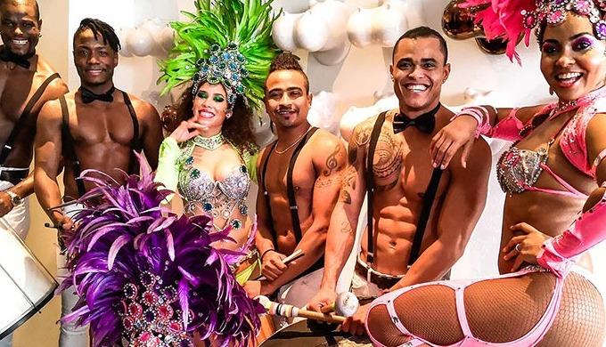 Iedereen beleeft een onvergetelijke avond met onze dynamische Braziliaanse samba show! Uniek enterta...
