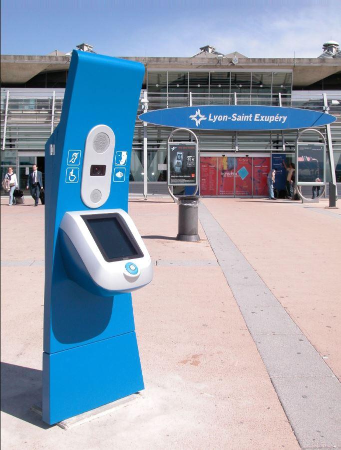 OCIS s'occupe de la mission d'assistance aux voyageurs à mobilité réduite. Ainsi les aéroports ont m...