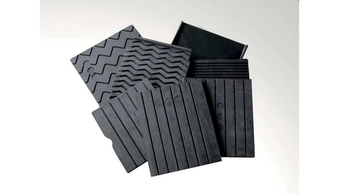 REX Gleispolster und Grundplatten werden aus hoch qualitativem Gummi- und Plastikmaterial hergestell...