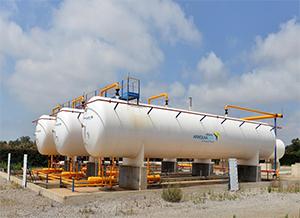 •Avec une capacité de stockage propre de près de 75 000T, Afriquia Gaz remplit dans ses 4 centres em...