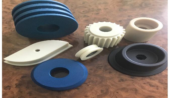Изготовление изделий из полиамида, капролона, мерканита литьем