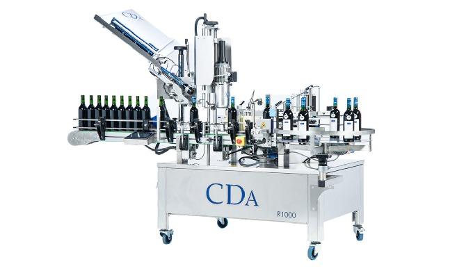 Conçue par la société CDA, la R1000 Mixte est une étiqueteuse et sertisseuse automatique permettant ...