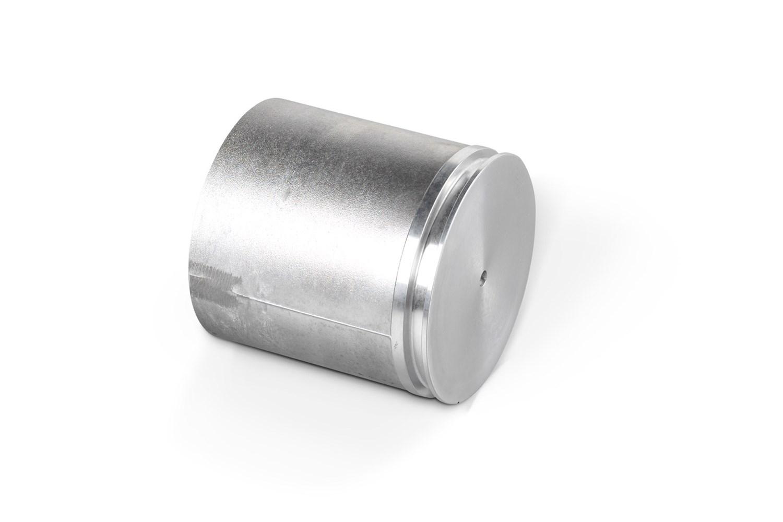 Stempel kokillestøbt i aluminium, T6 varmebehandlet og bearbejdet. Emnet støbes med bundtræk i værkt...