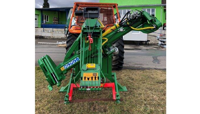 Traktorový procesor NIAB 5 - 15B je ideální pomocník při zpracování dřevní hmoty do průměru 40 cm. P...