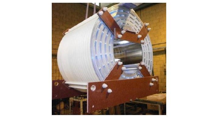 Reactancias de núcleo de aire para un proyecto de fisión nuclear.