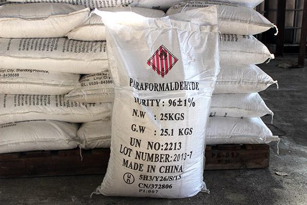 Product Name: Paraformaldehyde CAS NO.: 30525-89-4 EINECS NO.:200-001-8 Molecular Form: (CH2O)n Puri...