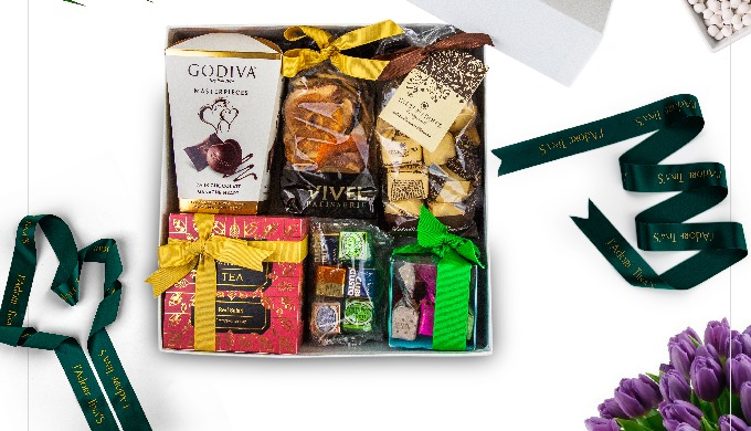 Searching for online gift delivery in Dubai? Tinas is the best online gift shop in Dubai with premiu...
