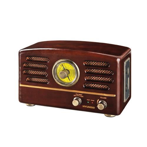 Radiopřijímač Hyundai RA 302 RETRO v barevném provedení ořech patří mezi přístroje s designem známým...