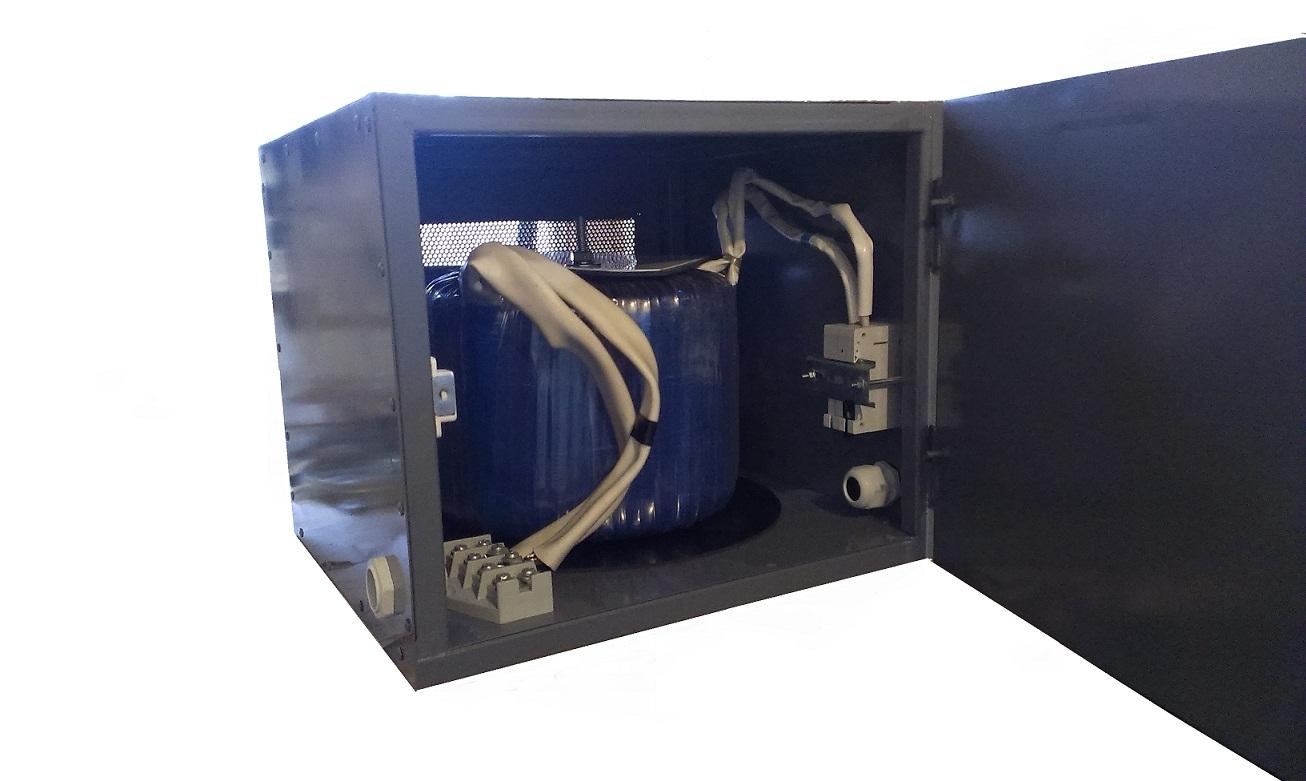 Конвертер напряжения 220-115В для американской аппаратуры