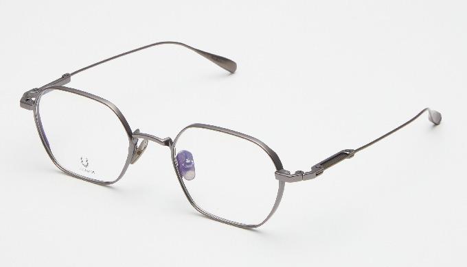 CODE.102.A | lunettes en titane