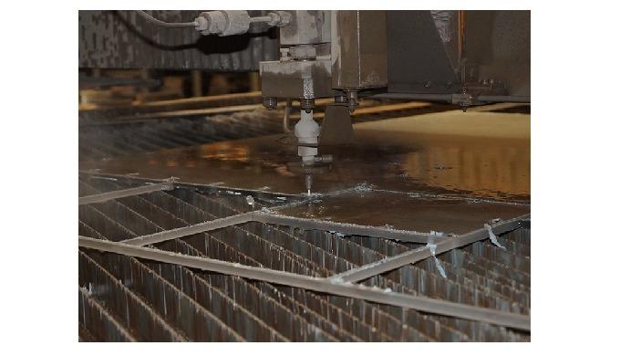VANDSKÆRING STÅL Hos JKP Produktion ApS. har vi arbejdet med vandskæring siden 2005. Vandskæring er ...