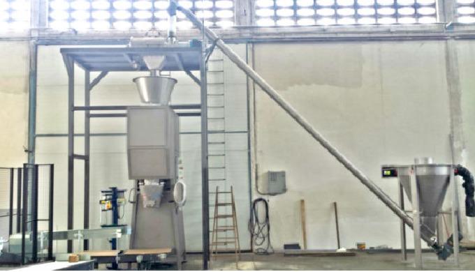 Las ensacadoras semi-automáticas son para sacos de boca abierta de 5-50 kgs (papel, plástico, rafia,...