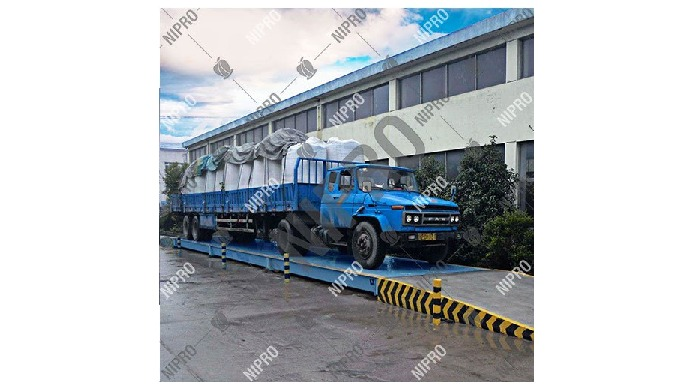 Material: Mild Steel Weighing Capacity: Max. 150 Ton Brand: Nipro Taring Range: 100% Ramps: Both End...