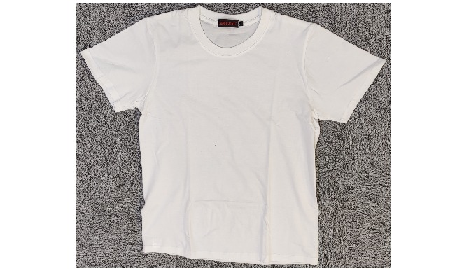 A Cotton t-shirt made in Amazing Grace factory in Shaoxing. Round neck and short sleeves. The shirt ...