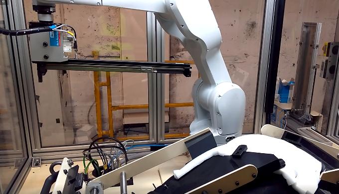 Robotic stapling machines