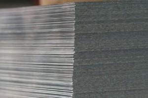 Plechy válcované za studena Válcování za studena se používá pro výrobu plechů s hladkým povrchem a v...