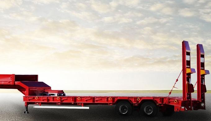 La semi-remorque porte-engins léger surbaissé à 2 essieux COMET est conçue et réalisée pour le trans...