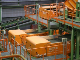 Pro separaci nemagnetických kovů je možné využít separátor neželezných kovů, který pracuje na bázi v...