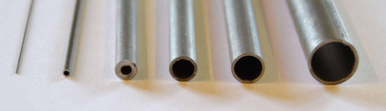 Vi använder en kapskiva av kiselkarbid, också kallad karborundum, som endast är 0,30 mm, vilket ger ...