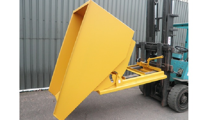 Our range of heavy duty tipping skips and self-tipping forklift skips allow you to transport waste o...