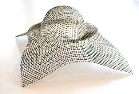 Vi erbjuder metallduk i löpmeter eller konfektionerat.Olika vävsätt och material finns som t.ex AISI...