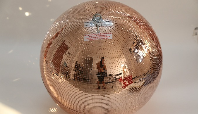 No party without a disco ball! When it comes to mirror balls, we are the experts. We produce and sup...