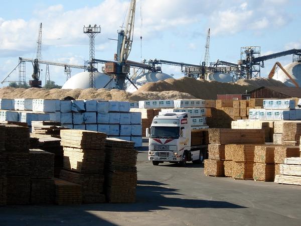 Cargo handling operator at Riga universal terminal.