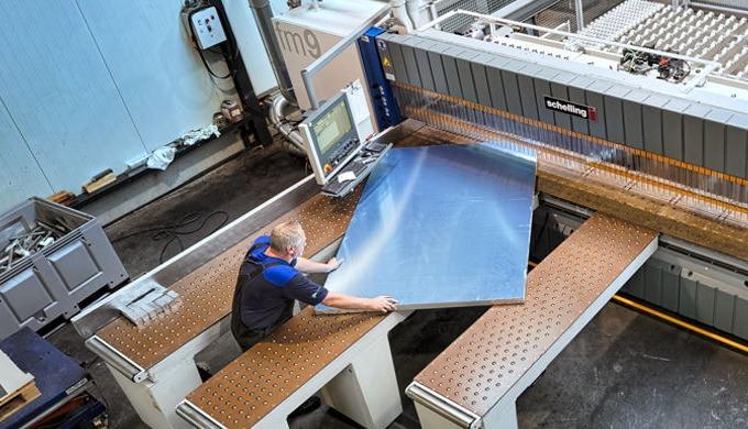 Aluminium 6082 is een 'heat treatable alloy (aluminiumlegering)' die vaak wordt gebruikt in de metaa...