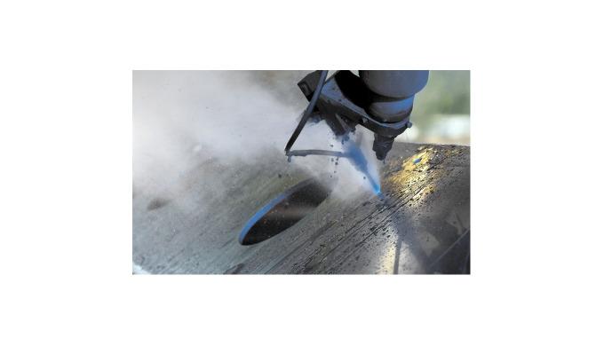 Wasserstrahlschneiden ist ein kaltes Trennverfahren. Ein Hochdruckwasserstrahl wird mit bis zu 6000 ...