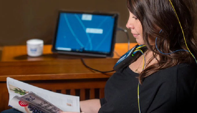 Une séance de Neurofeedback dure environ 1 heure. Durant cette séance, le client est installé confor...