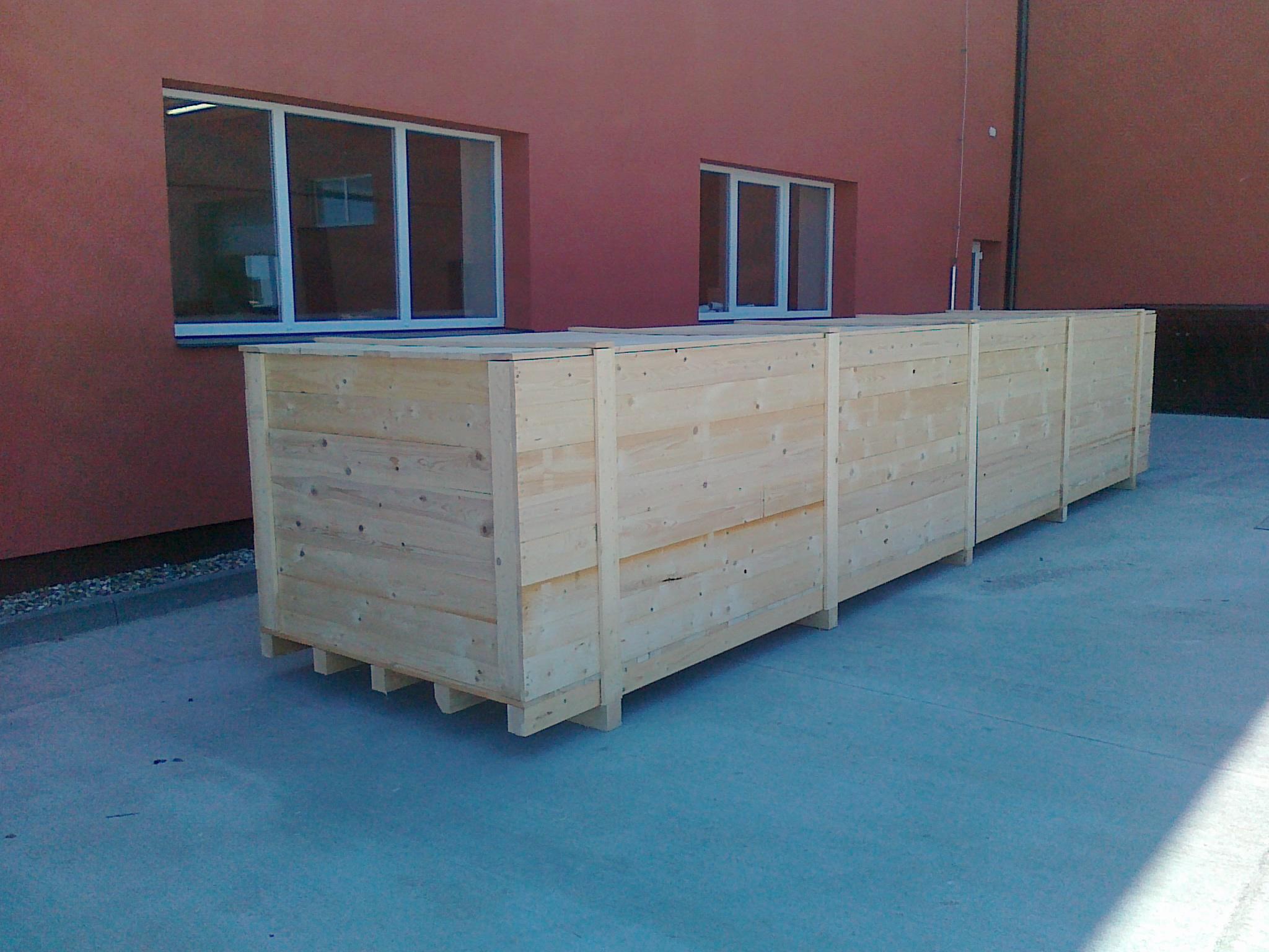 Masivní dřevěná exportní bedna