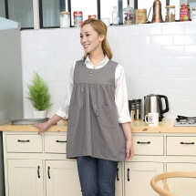 The EMF shield functioning inner lining of EMF aprons is applied with stainless steel threads. Apron...
