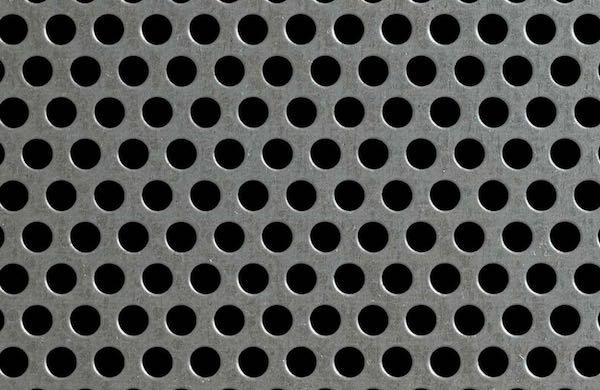 Perforerad plåt används bland annat till maskinskydd, sållplåtar, filter, fasader, räckesfyllningar,...