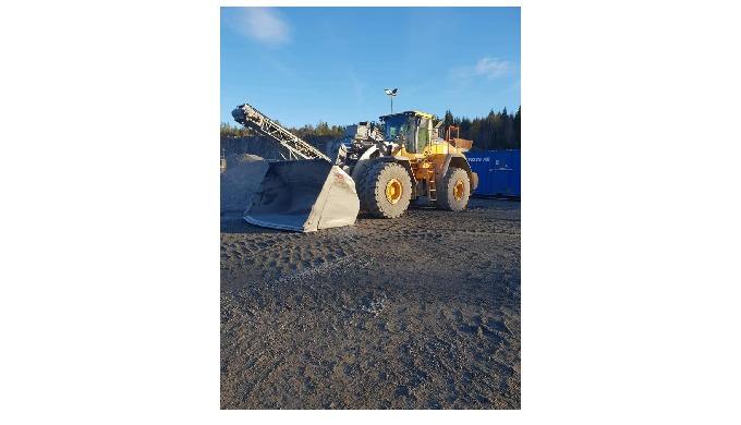 Nya investeringen L 260H med en 7,1 kubik s Gjerstads trubbspetts skopa!