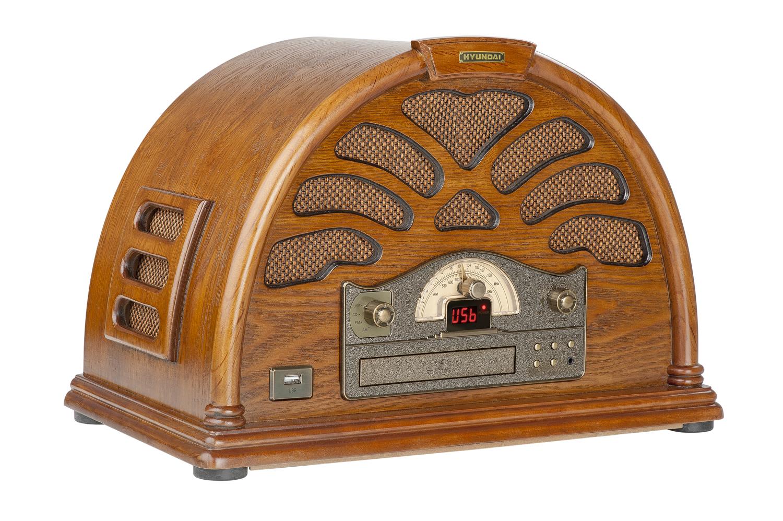 Model RC403 v sobě kombinuje rádio a CD mechaniku s USB vstupem. Starobylý design v kombinaci s mode...