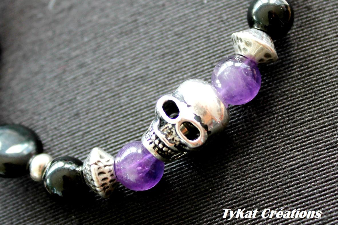 La mode se démode, le style jamais... élégance et sobriété pour ce bracelet aux accents rebelles...e...