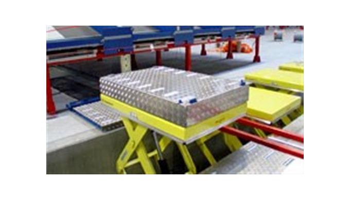 SYSTEMINTEGRATION TRANSLYFT løfteborde monteret i TOP TOYS fabrik i EnglandAlle TRANSLYFT løftebord ...