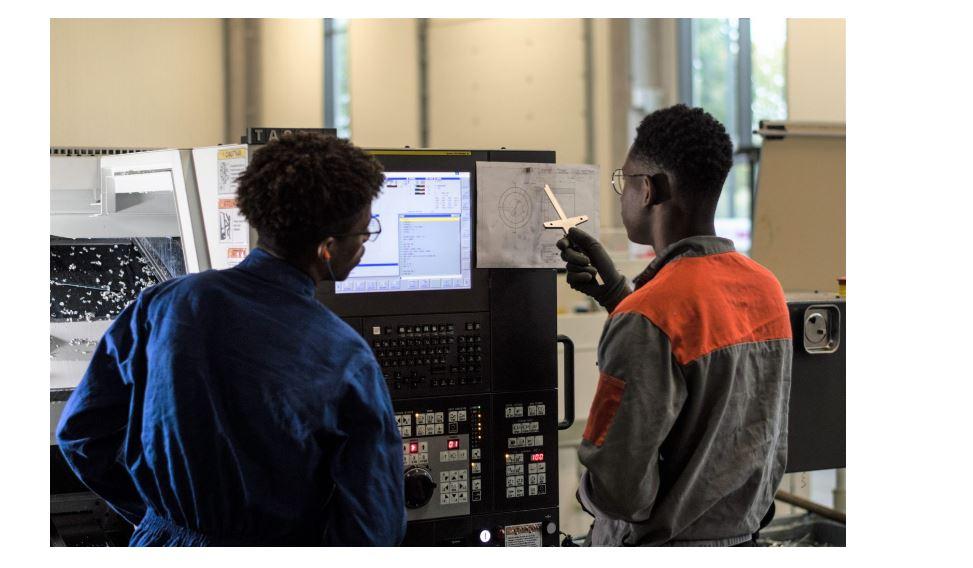 Opérateur-Régleur sur machines à commandes numériques d'usinage