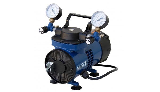 Image01: Pompe à vide et pression MILLIPORE® Pompe portable MILLIPORE® utilisable comme source de vi...