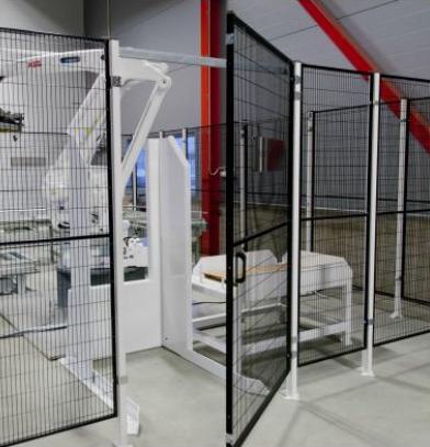 Troax portar finns i många varianter: slag-, skjut-, teleskop- och linjärportar i bredder från 700 m...