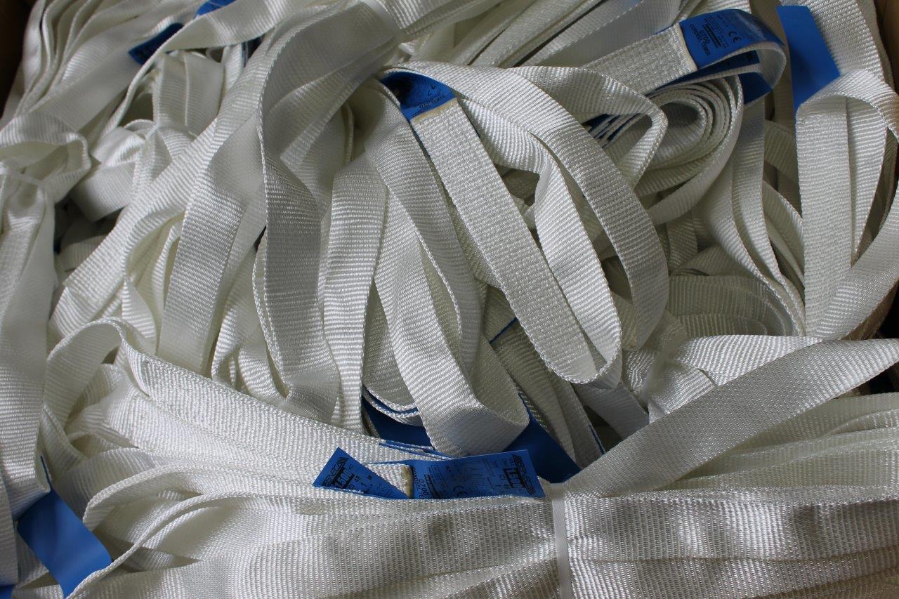 Fabrikant van hijsbanden met lussen en eindloze slings voor éénmalig gebruik. Belgische fabrikaat, s...