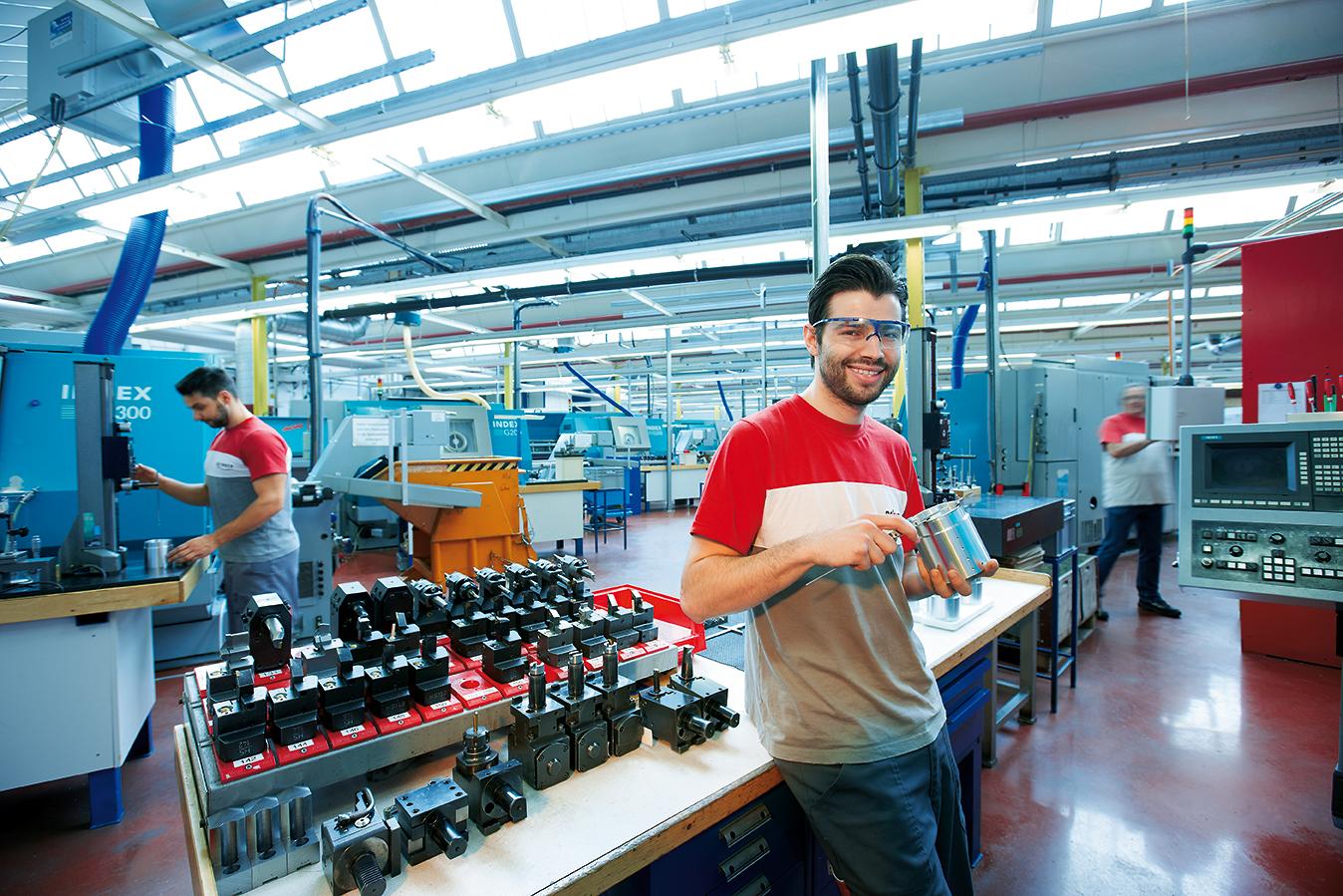 Serienfertigung von hochgenauen Dreh-Frästeilen in 3-Schicht-Betrieb